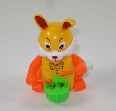 Игрушка заводная заяц с барабаном